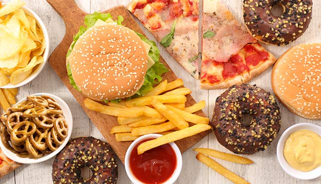 Combining fat and carbs overloads the brain and makes us overeat