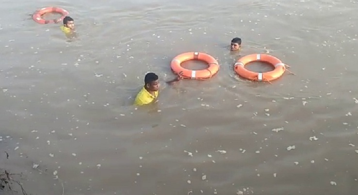 devotee, Bol Bom devotee goes missing in Mahanadi river