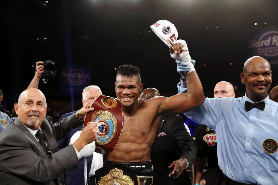 The Boxing Tribune Weekend Roundup: Kovalev/Alvarez and Berto/Alexander