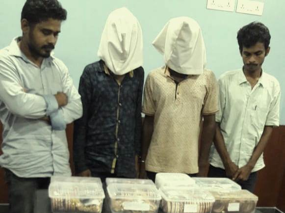 loot, Jewellery shop robbery: Four held, ornaments seized