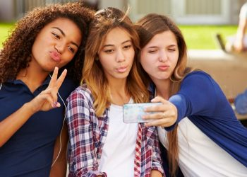 Facebook coaxing teenage girls