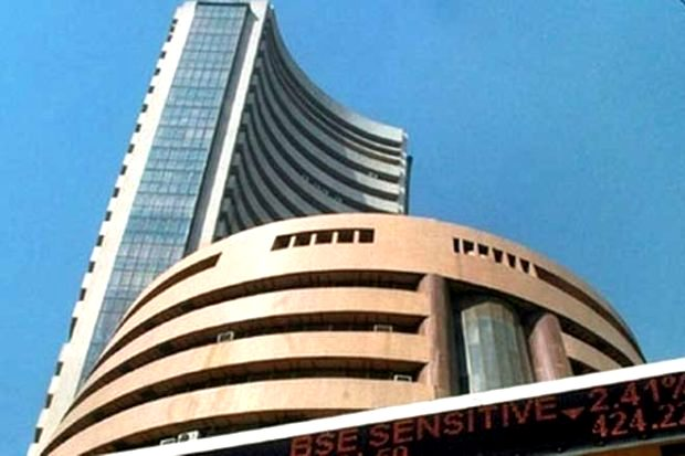 Sensex ends below 39k, India VIX 5% up