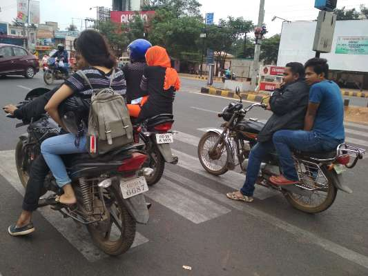 , 30000 motorcyclists booked in 3 days, no helmet no riding