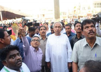 CM Naveen Patnaik observes damages at Srimandir Lions' Gate