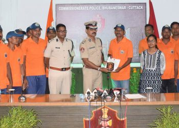 Twin-city police commissioner Satyajit Mohanty and Bhubaneswar DCP Anup Sahu along with ODRAF units at the felicitation ceremony, Wednesday op photo